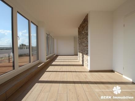 BERK Immobilien - lichtdurchflutete Eigentumswohnung im Penthousestil mit Mainblick