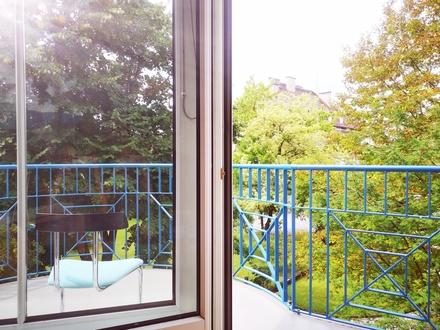 MIETE: Ruhige, sehr sonnige 2 Zimmerwohnung mit großem Balkon!