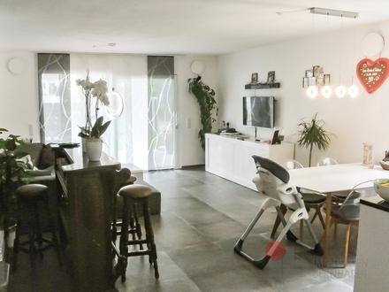 Exclusive und neuwertige 3 Zimmerwohnung mit großem Garten