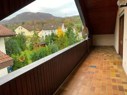 Gemütliche 2 Zi DG-Wohnung, Balkon und Gärtchen