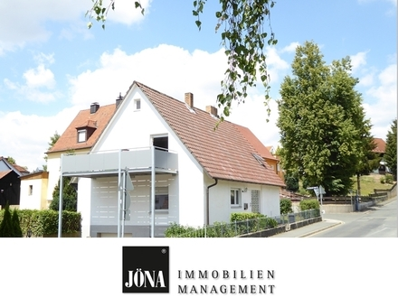 Hier wohnt man gerne: Renoviertes Ein-/Zweifamilienhaus in guter Lage