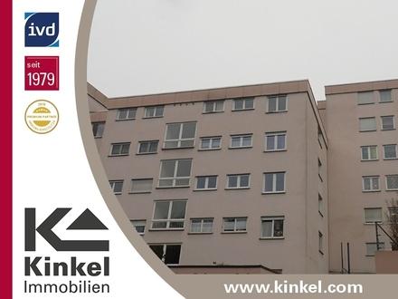 Familienfreundliche 4,5-Zimmer-Wohnung mit Balkon, Aufzug und Garagen-Stellplatz