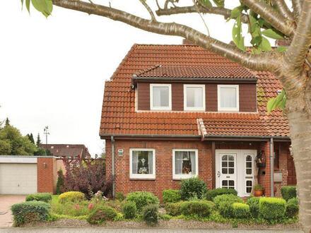TT bietet an: Sehr gepflegte Siedlung in Voslapp mit Wintergarten und Garage!