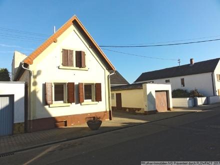 Großzügiges 1-2 Familienhaus in sonniger Wohnlage!!