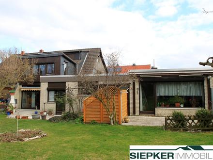 Große Doppelhaushälfte mit Einliegerwohnung / Büro und Doppelgarage in Salzgitter / Salder