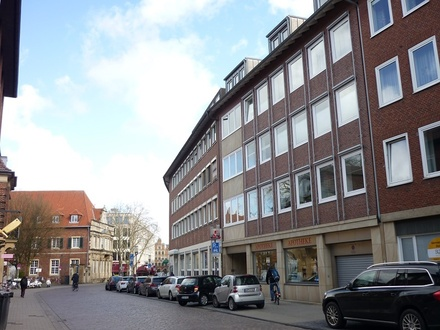Helle 125 m²-Büro-/Praxisetage in absoluter City-Lage!