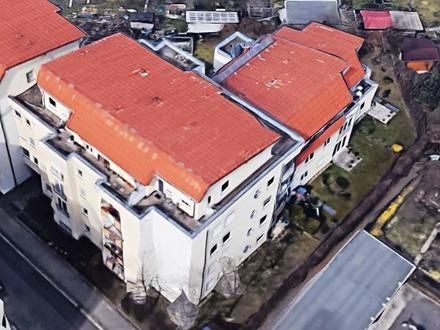 FREIE Dachwohnung mit großer Dachterrasse in ruhiger zentraler Lage