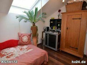**** Zimmer mit Bad und kleiner Küche in Langenau