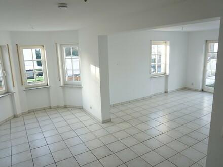ARNOLD-IMMOBILIEN: Gleich ein ganzes Haus...