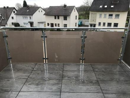 Neubauwohnung! 3 ZKB-Wohnung mit Balkon im 1. OG nebst Stellplatz, Nähe Ortskern Jöllenbeck!
