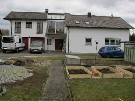 freistehendes Ein bzw. Zweifamilienhaus mit Nebengebäude zur vielfältigen Nutzung