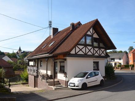 *HTR Immobilien GmbH* Geräumiges Landhaus in idyllischer Lage mit riesiger Scheune, Stallungen !!!