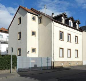 Beliebte Lage - Umfangreich modernisiertes 3-Fam.-Haus in WI-Bierstadt
