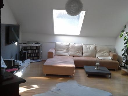 Schöne, geräumige 3 Zi - Dachwohnung in Haidenhof Süd