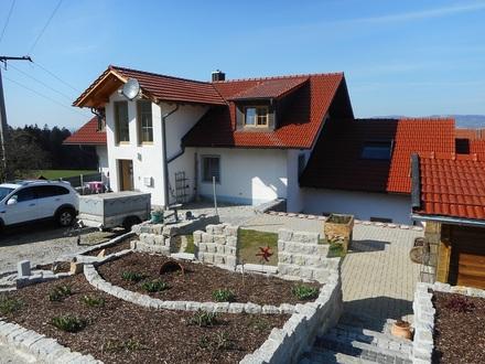 Großzügiges Zweifamilienhaus in Liebhaberlage mit gigantischem Fernblick Passau-Ost ca. 15 km Nähe Obernzell