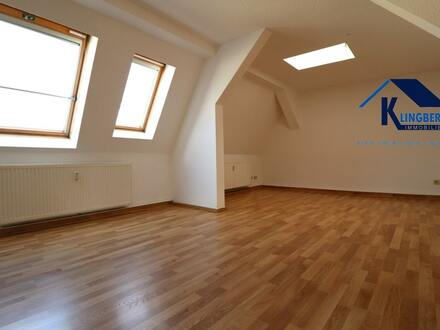 modern geschnittene Dachgeschosswohnung - TOP Wohngegend