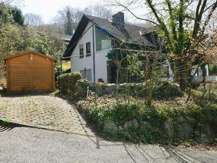 Hochwertiges Anwesen mit 2 getrennten Wohneinheiten + Einliegerwohnung in wunderschöner, begehrter Lage in Heppenheim.