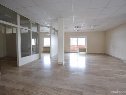 Büro-/Gewerberäume mit Parkplätzen - ideal für Büro oder Praxis, barrierefrei erreichbar