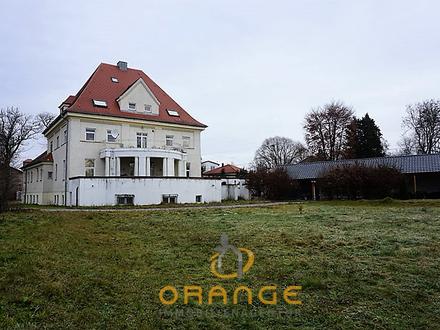 ***Denkmalgeschützte historische Villa mit über 5900 QM Grundstück***