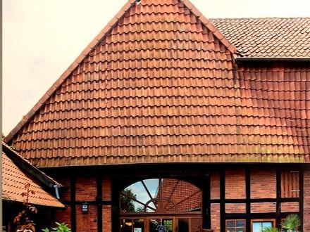modernisiertes Fachwerkhaus mit Scheune, Stall oder Werkstatt