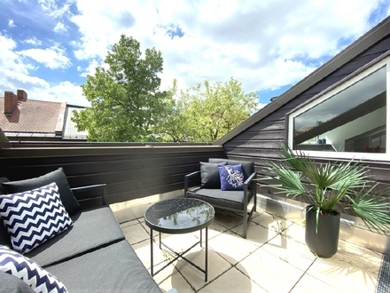 Oase der Ruhe: Neues 4 Zi.-Hinterhaus-Penthouse mit 2 SW-Terrassen am Goetheplatz