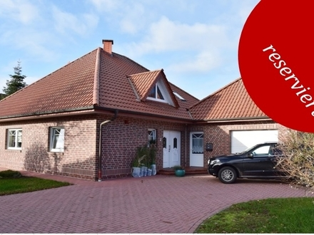Elisabethfehn: Geräumiges Einfamilienhaus mit Garage auf Erbpachtgrundstück, Obj. 4989