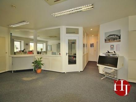 Großzügige Büroetage in zentraler Lage!