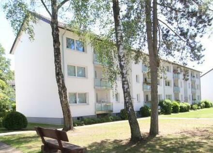 Helle moderne 3-Zimmer-Wohnung mit Loggia