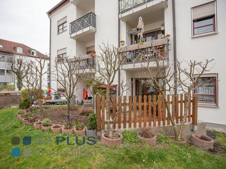 Sehr gepflegte 2 Zimmer-Wohnung mit Küche, kleinem Garten, Terrasse und Tiefgarage!