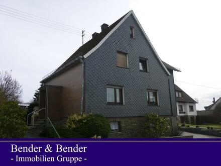 Großzügiges Ein-/Zweifamilienhaus mit großem Grundstück und großer Garage!
