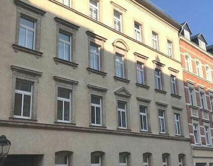 Große 2 Zi.-Wohnung mit Balkon und Aufzug in Bernsdorf