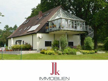 Natur mitten in Bielefeld - Idyllisches Wohnhaus mit traumhaftem Grundstück