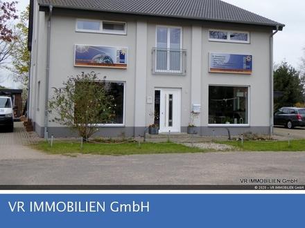 Modernes Wohn- und Geschäftshaus in Hoort