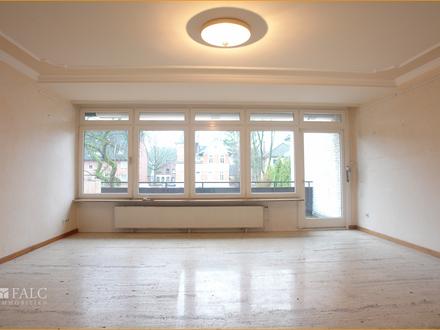 Große Wohnung mit tollem Südbalkon / Übergabe frisch renoviert!