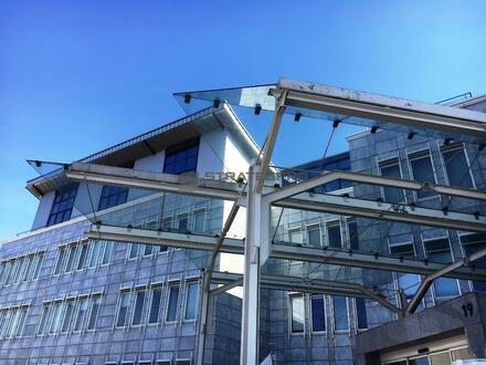 Beeindruckende Architektur - hochwertige Innenausstattung - verkehrsgünstige Lage