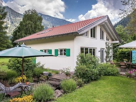 Energieeffizientes Holzmassivhaus im heilklimatischen Luftkurort Bayrischzell
