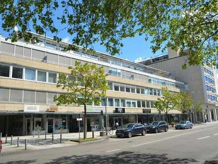 Praxis- oder Büroräume in Innenstadt Lage mit Aufzug
