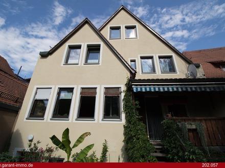 Großes Zweifamilienhaus als fabelhafte Kapitalanlage