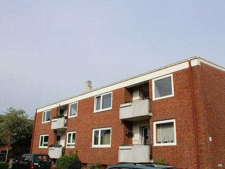TT Immobilien bietet Ihnen: Sanierte 3-Zimmer-Mietwohnung mit Balkon in Heppens!