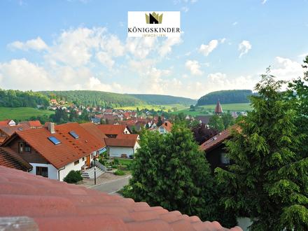 St. Johann bei Reutlingen: freistehendes Haus mit 3 Wohnungen in schöner ruhiger Lage mit Aussicht