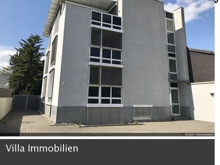Erstklassige 3 Zimmer-Penthouse-Wohnung mit 2 Balkonen, EBK und Kfz-Stellplatz in Mainz-Oberstadt
