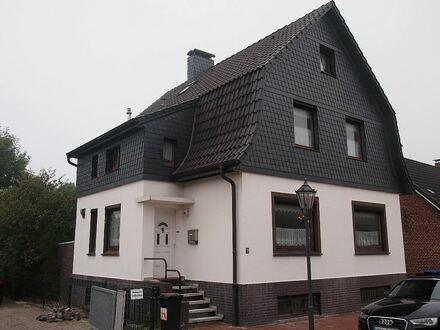 Stilvolles Einfamilenhaus mit außergewöhnlicher Fassade