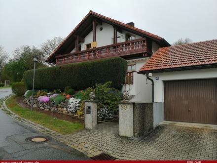 Exklusives Landhaus mit drei Wohneinheiten und toller Aussicht!