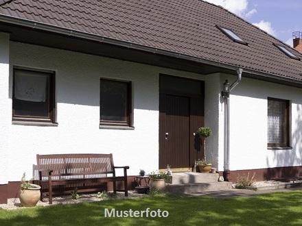 Zwangsversteigerung Haus, Ostfrieslandstraße in Wiefelstede