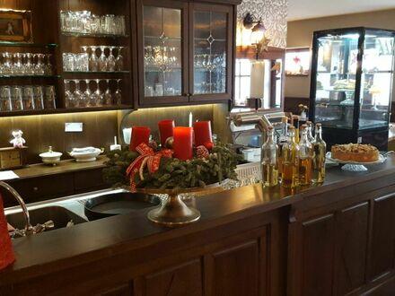 Sehr gut eingeführtes Landrestaurant mit Wohnhaus Provisionsfrei zu verkaufen.