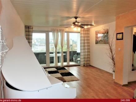 Zentrumsnah: Traumhaft renovierte 2 Zimmer-Wohnung mit Sonnenbalkon