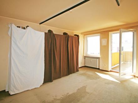 Vermietete, renovierungsbedürftige 4-Zimmer-Wohnung mit S/O-Balkon in guter Lage von Obergiesing