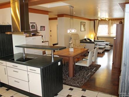 Kernsaniertes Wohnhaus mit viel Platz und Charisma in zentrumsnaher Lage