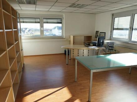 ARNOLD-IMMOBILIEN: Kleine Bürofläche ganz groß...