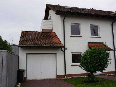 ARNOLD-IMMOBILIEN: Neu renoviertes Einfamilienhaus in guter Lage